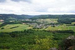 """Blick auf Taben-Rodt von Felsenpfad """"Maunertgrat"""""""