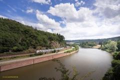 Saartal bei Mettlach mit Süwex-Regionalexpress