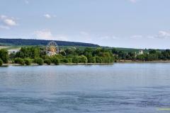 Blick von Heidenfahrt über den Rhein nach Eltville